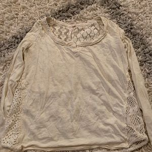 Long sleeve tee with cute lace on the back